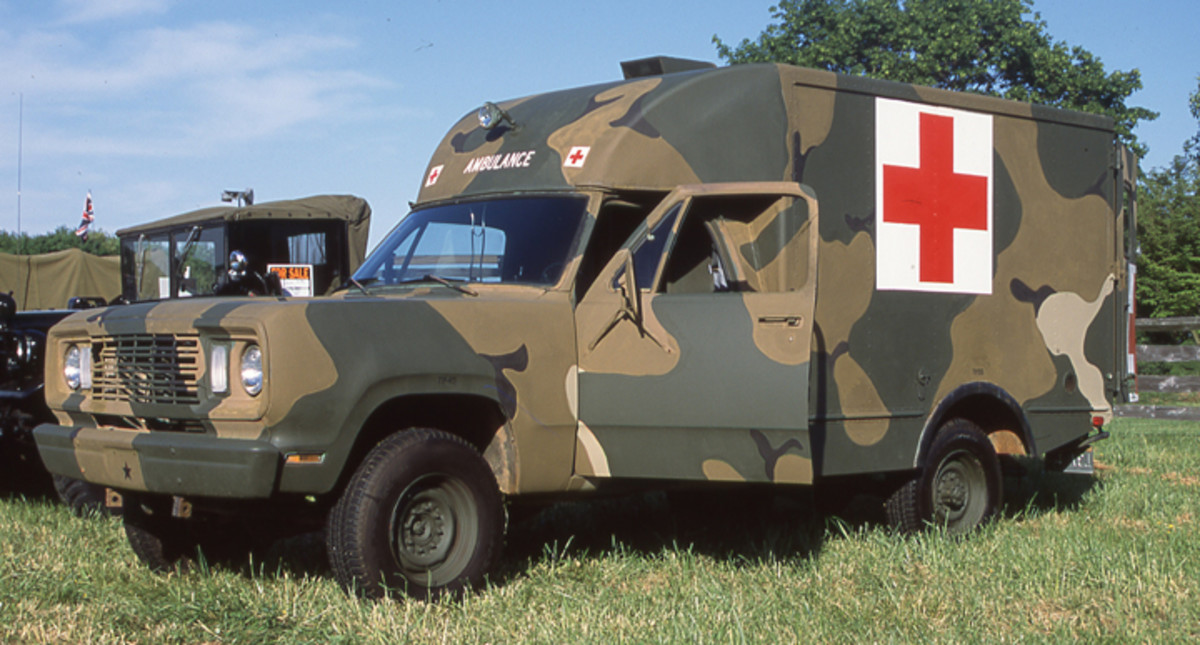 The M886 was an ambulance model using standard pickup sheet metal from the cab forward.