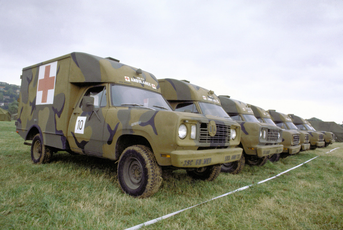 There were at least a dozen basic variants of the M880. The frontline ambulance version was labeled the M886.