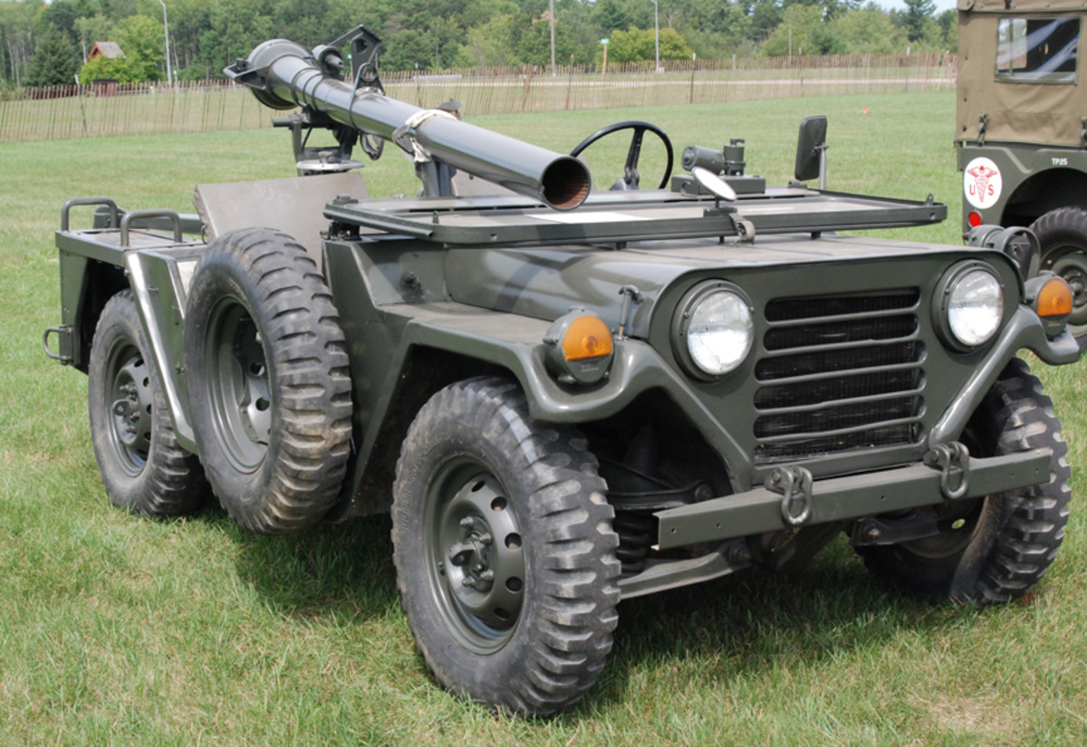 The M825 is a specially modified M151A2 jeep, revised to accommodate the M40 106mm Recoilless Rifle.