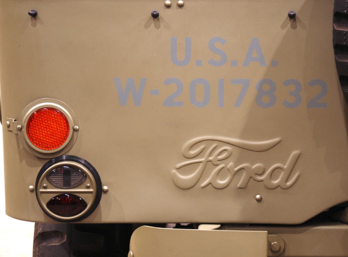 The script Ford name on the rear panel was discontinued in July 1942.