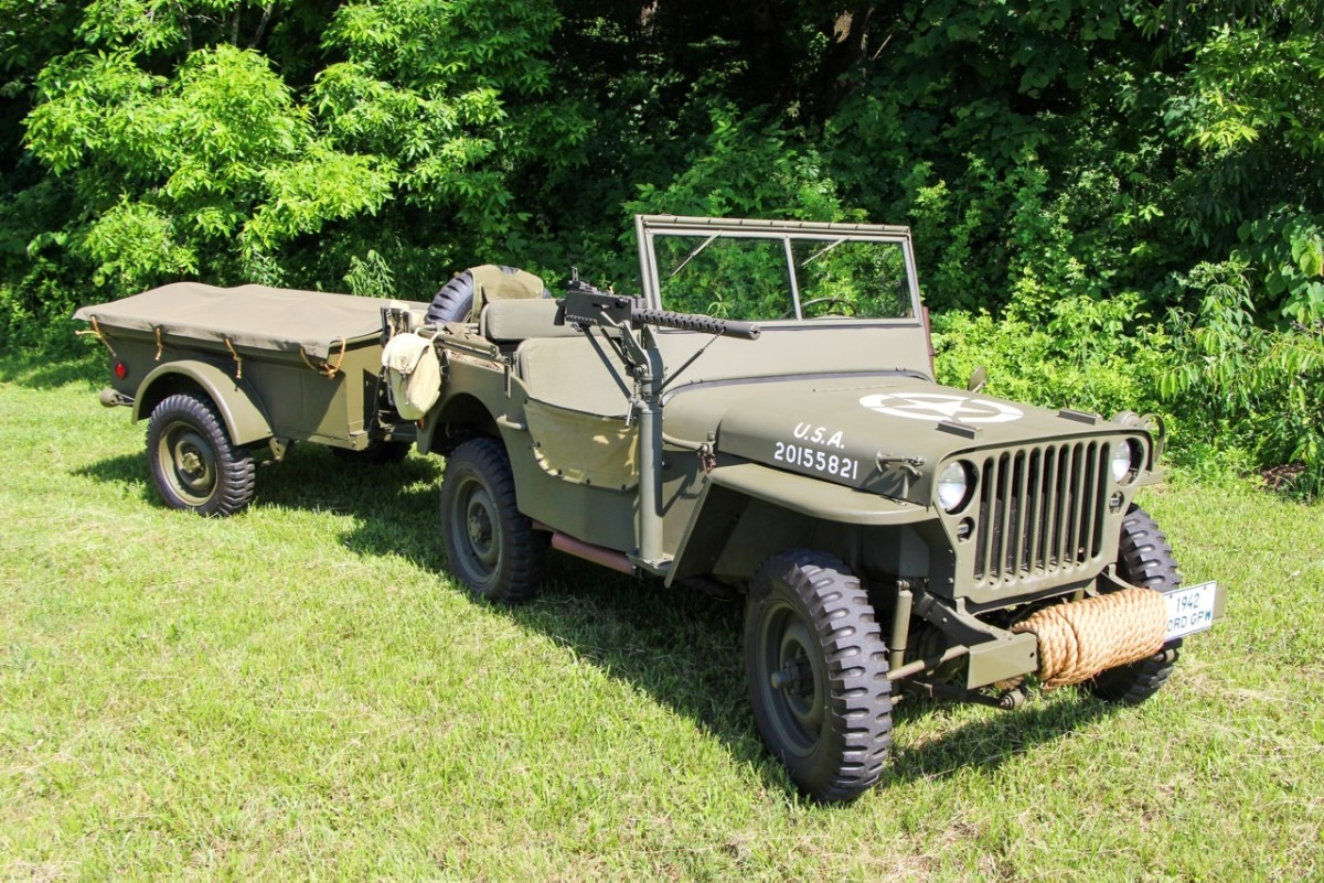 Dr. Grat Correll's 1942 Ford GPW and its accompanying 1943 Bantam trailer