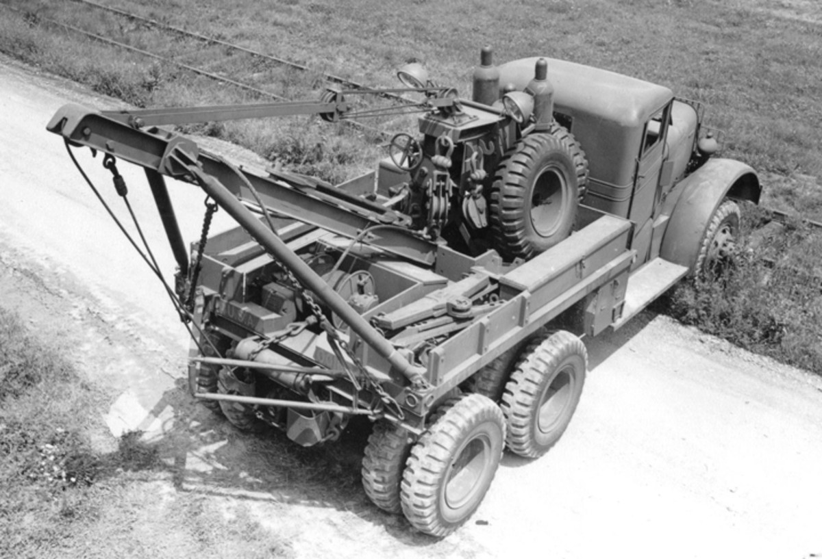 Taken in July 1942, this photo clearly shows the various bits of recovery gear stowed on the crane mast as well as in compartments on the wrecker bed. The subsequent Kenworth 572 had the unique combination of a closed cab and a power-operated crane, but only 100 of this variation were produced.