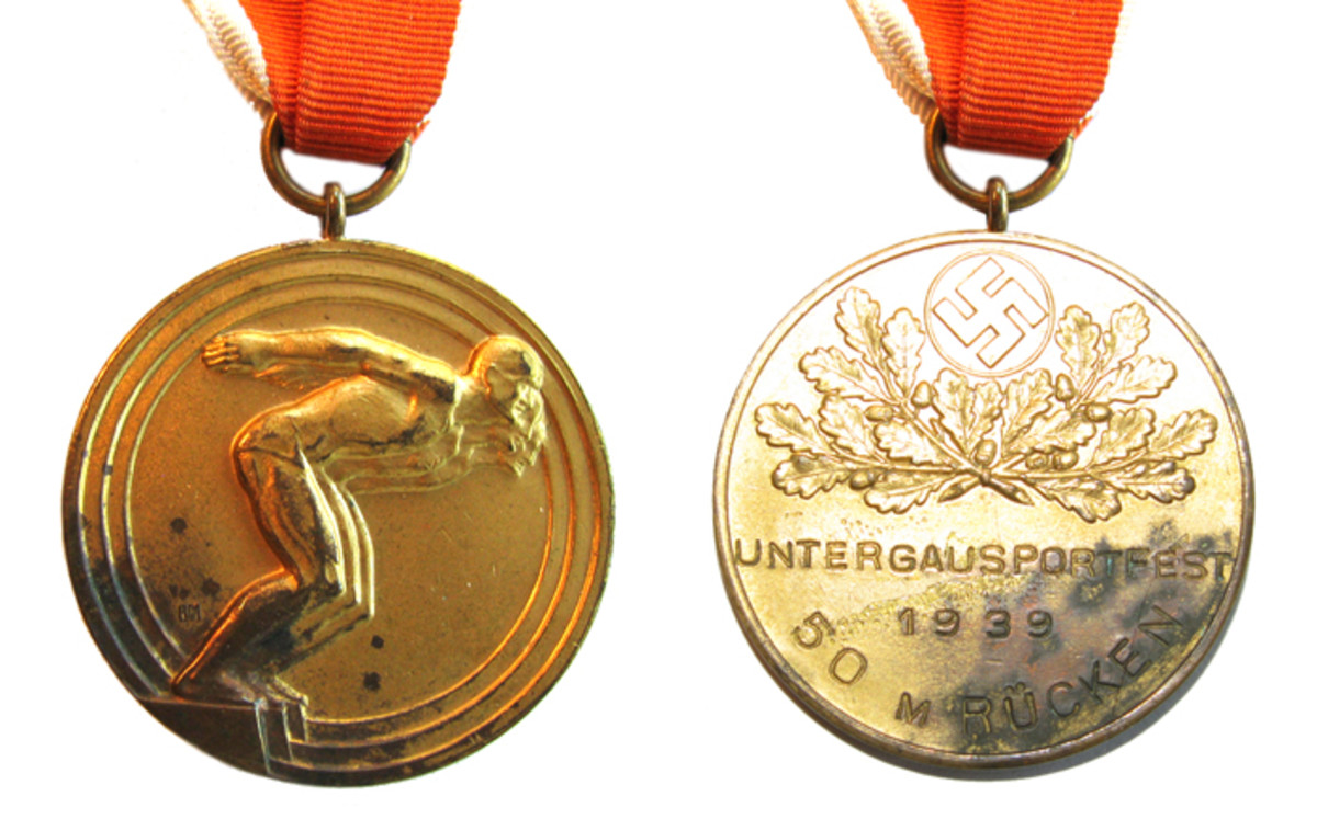 """This 1939 """"Untergau"""" medal was given for a 50 meter swimming event."""