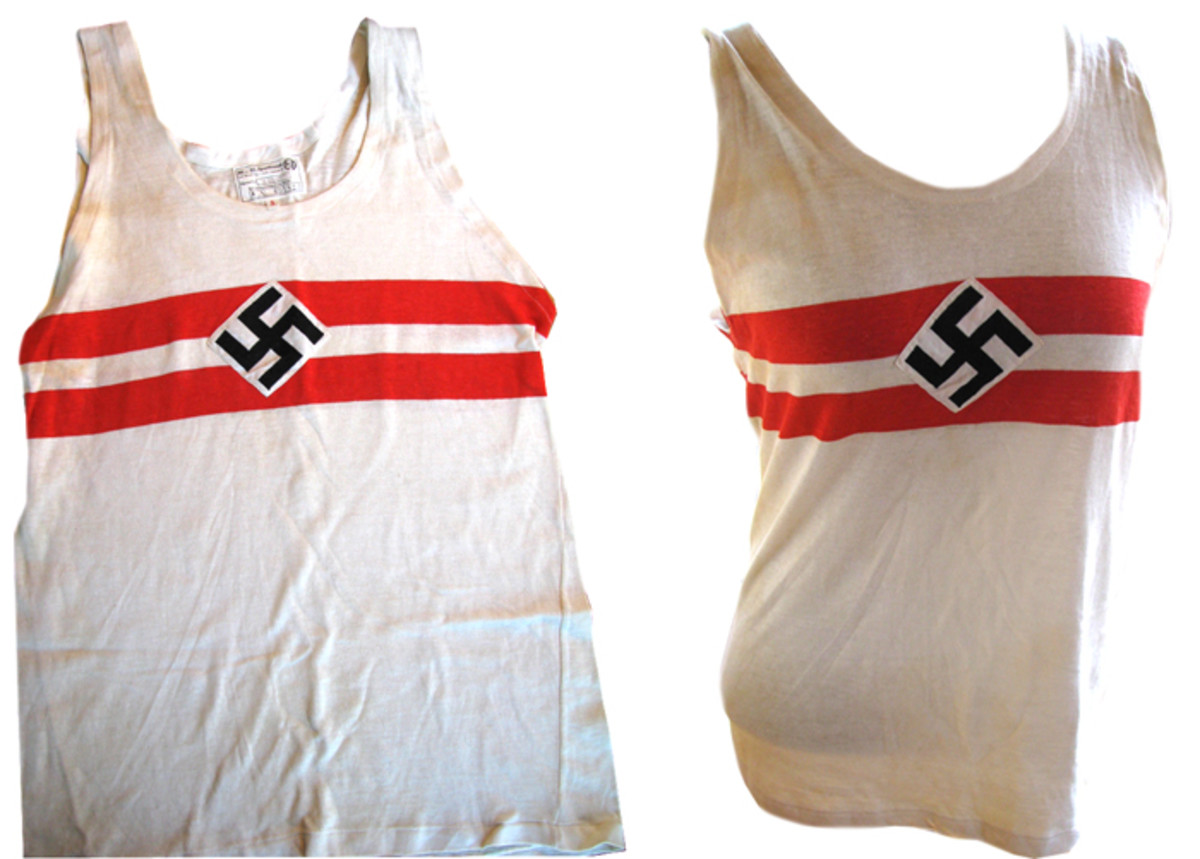 Both male and female Hitler Youth members wore a sports top while competing.