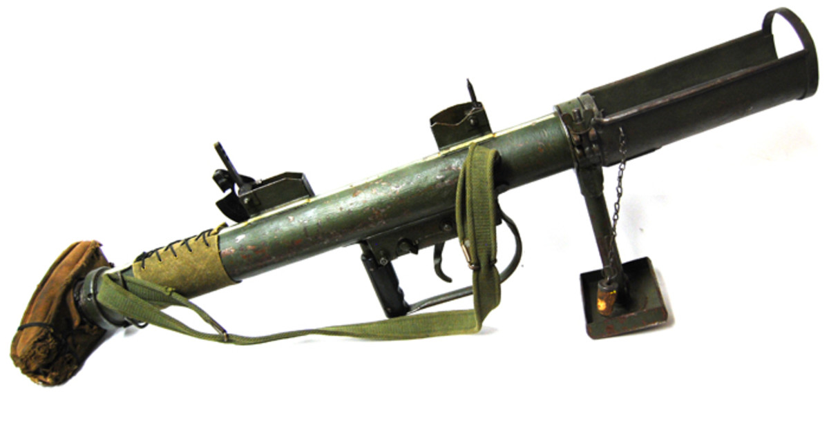 The PIAT Gun featured front and rear sights to help with aiming, and given its limited range it could be fairly  accurate – provided you could get close  enough to the target!