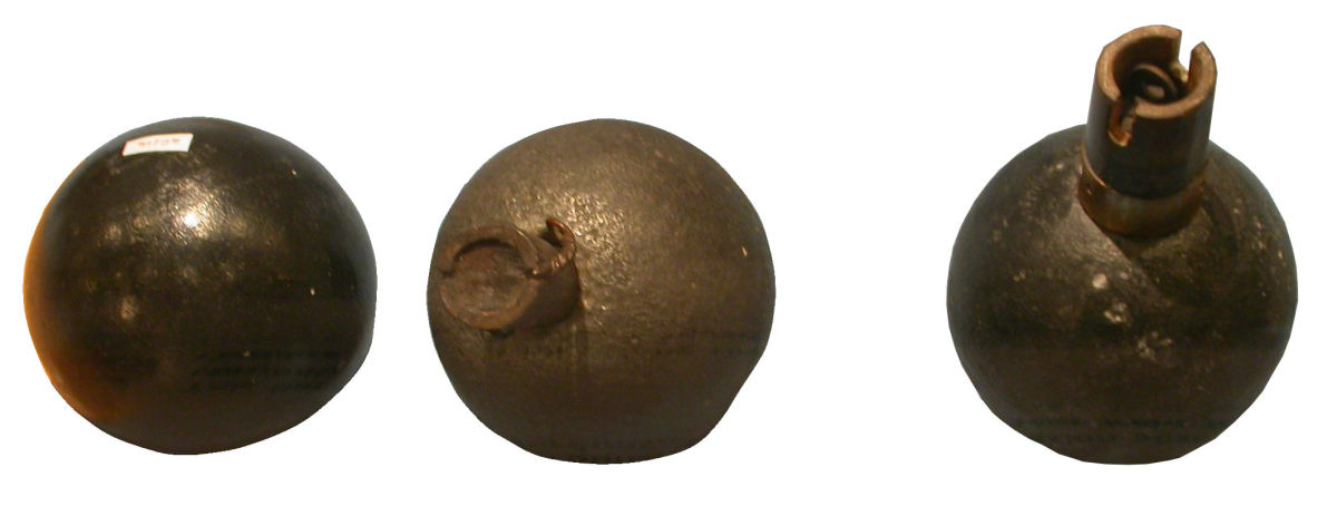 "French grenade ""Bracelet"" WWI (in coll. Mémorial de Verdun)"