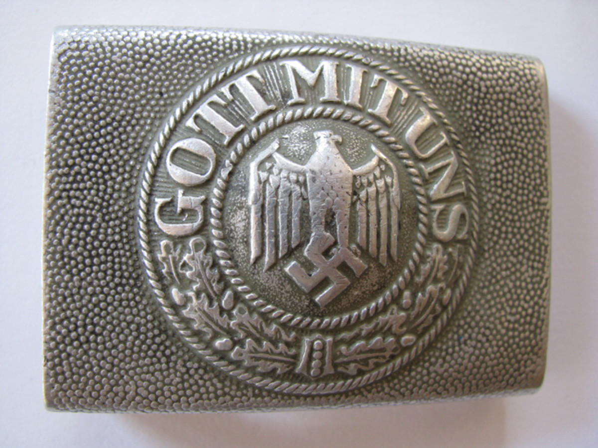 Army and Navy enlisted buckles all carried the phrase Gott mit Uns.