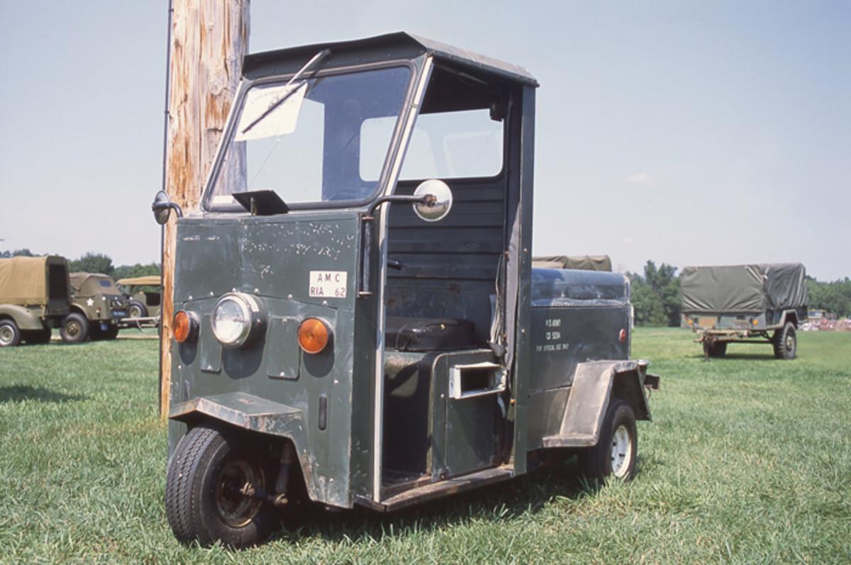 Bill Beers' 1975 Cushman Scooter.