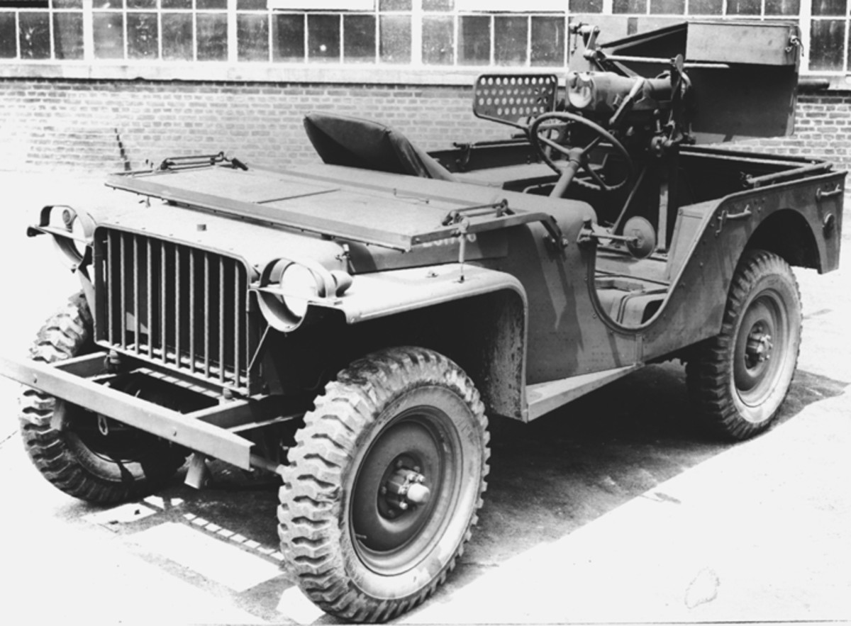 The success of the early Jeeps led to this 1941 mounting of an antitank weapons on the Jeep platform. This BRC-40 has been fitted with a 37mm antitank gun. The combination was designated T2E1.