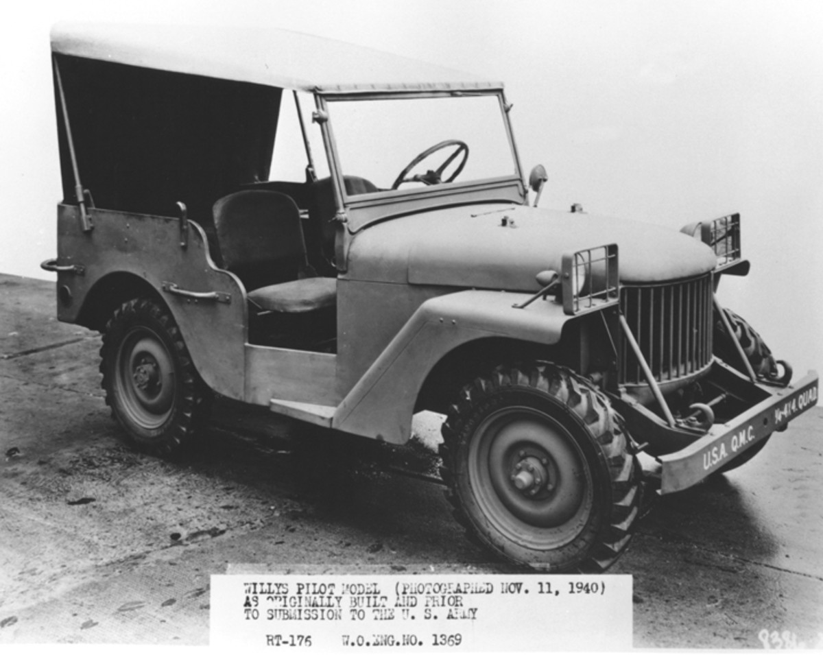 The Willys Quad was the prototype of that firm's attempt to capture the 1?4-ton reconnaissance car market — an effort that ultimately proved successful. The vehicle shown here was the Toledo firm's initial prototype. Its fender and lighting arrangement are markedly different from those later popularized.
