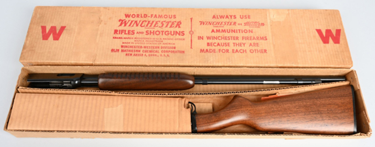 Mint/boxed Winchester Model 61 .22 magnum caliber rifle, made in 1959, appears never to have been assembled. Matching serial numbers on gun and box label.