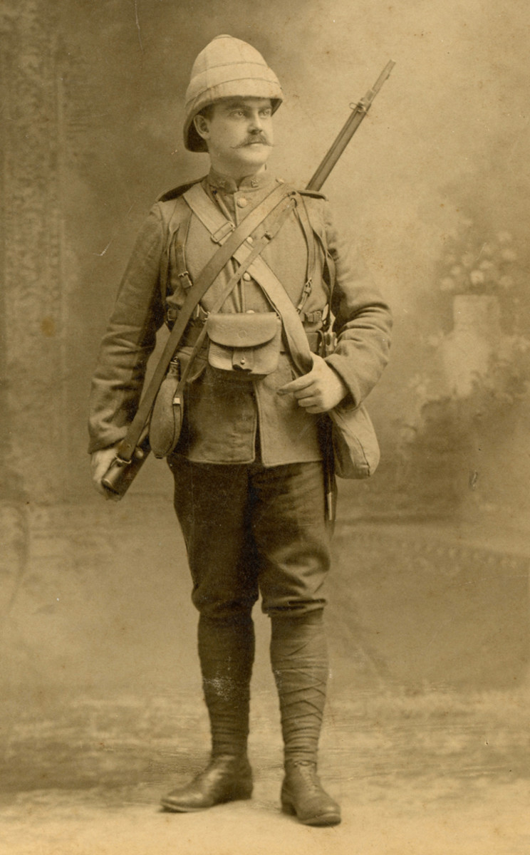 Dating from the Boer War image of 1900-1902, this photo shows a a Canadian in his full kit. It was likely taken in Canada before his departure for South Africa.
