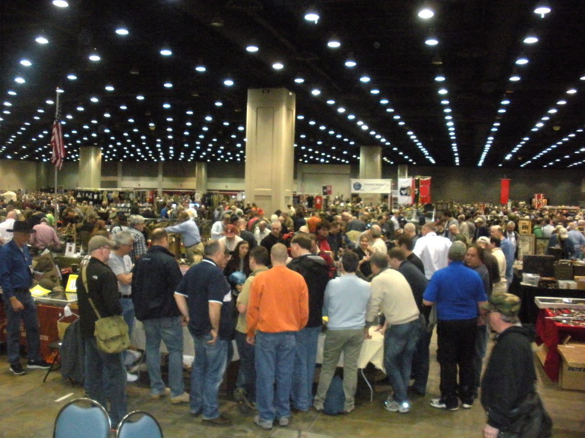 Crowds at Show of Shows, Louisville, Kentucky