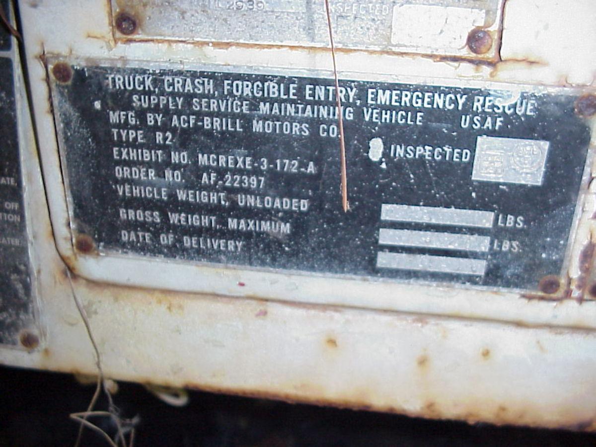 Dataplate of an R-2 truck.