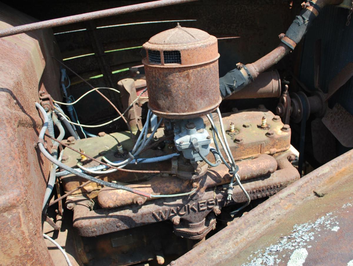 The truck was powered by a six-cylinder Waukesha engine, making it a Corbitt Model 1146.