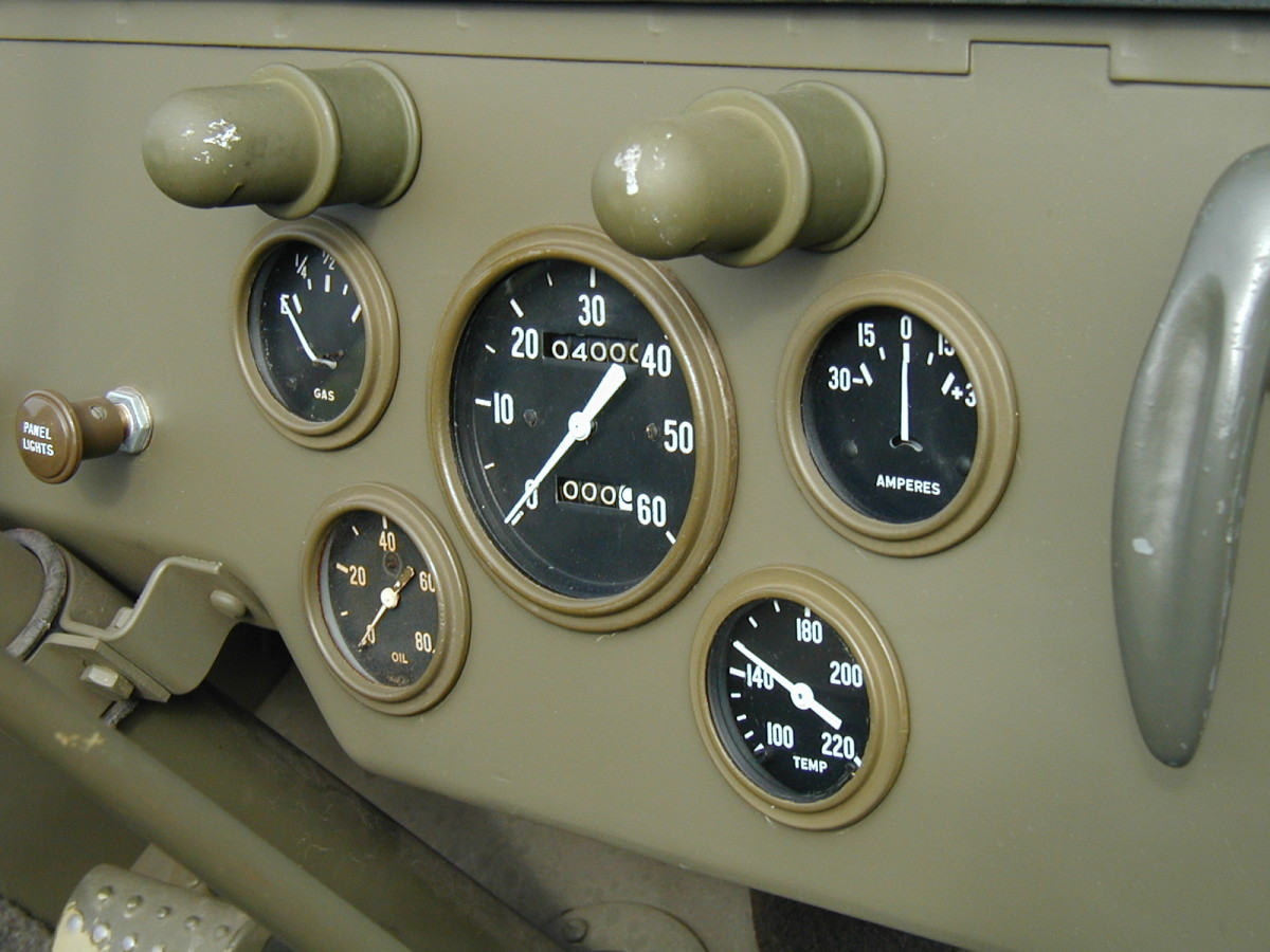 """A detail of the early instruments. Notice the 30/30 amp meter and speedo with 5mph increments. The fuel gage uses the word """"GAS"""" instead of """"FUEL."""""""