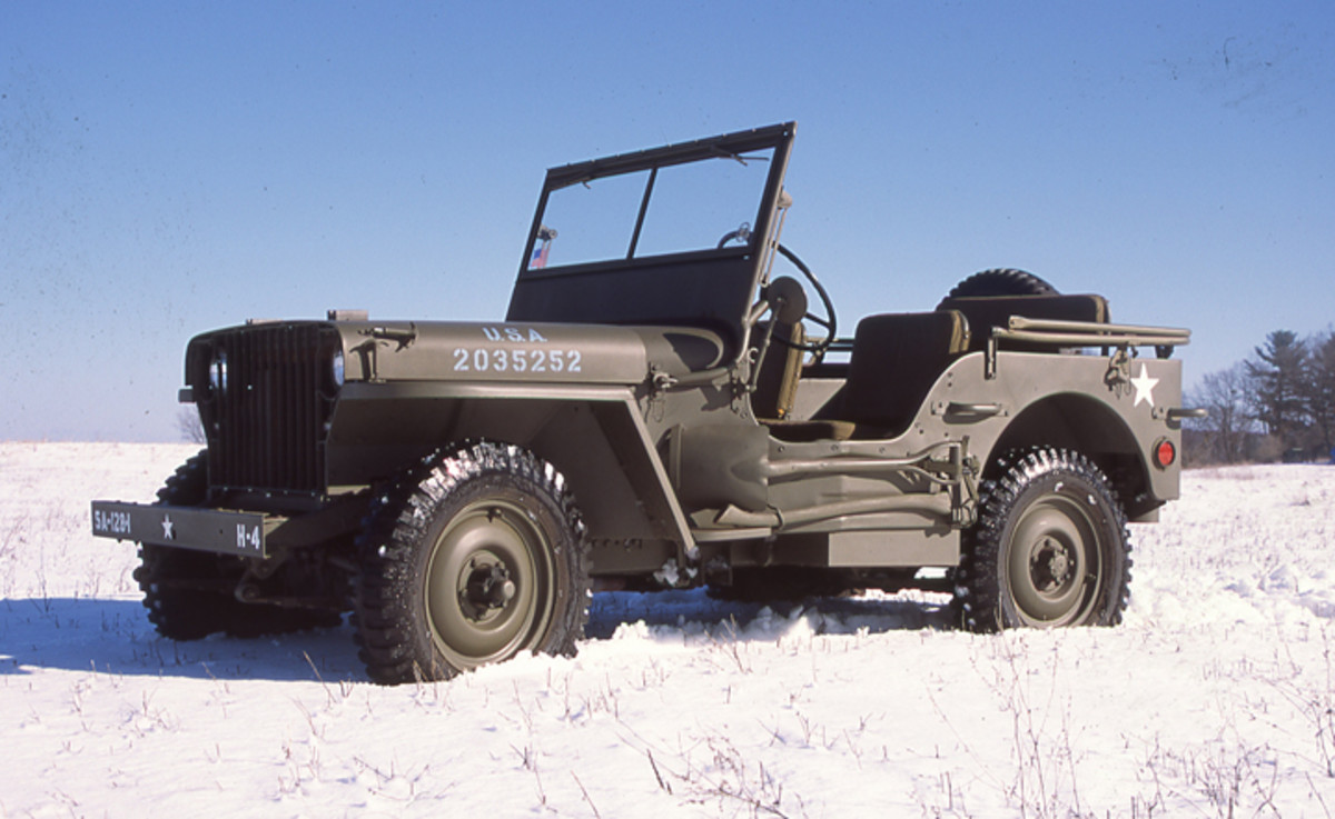 Photo of 1941 Willys MB 103677 taken on a snow-covered field.