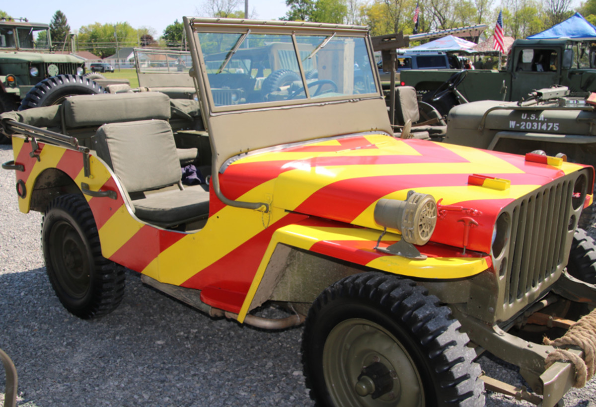 """Ron Rodgers' 1942 red and yellow striped """"Follow Me"""" GPW."""