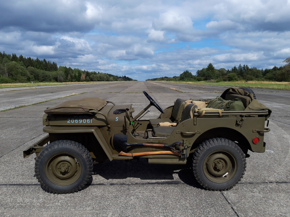 Pascal Vermeersch's 4/9/1942 Ford GPW14284 photographed at Saint-Hubert Military Airfield in Belgium.
