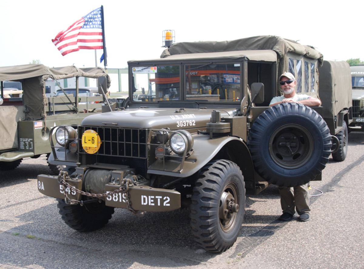 Gil Snyder's M37B1 (with M42 radio set-up)